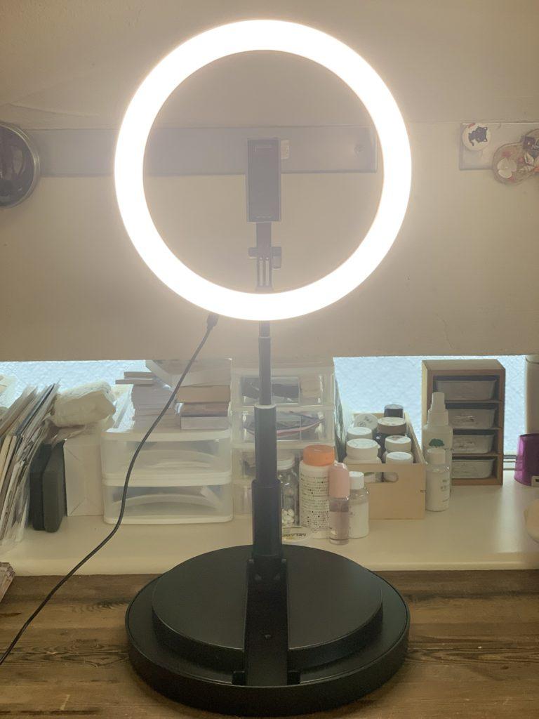zoomで使えるスタンド一体型照明